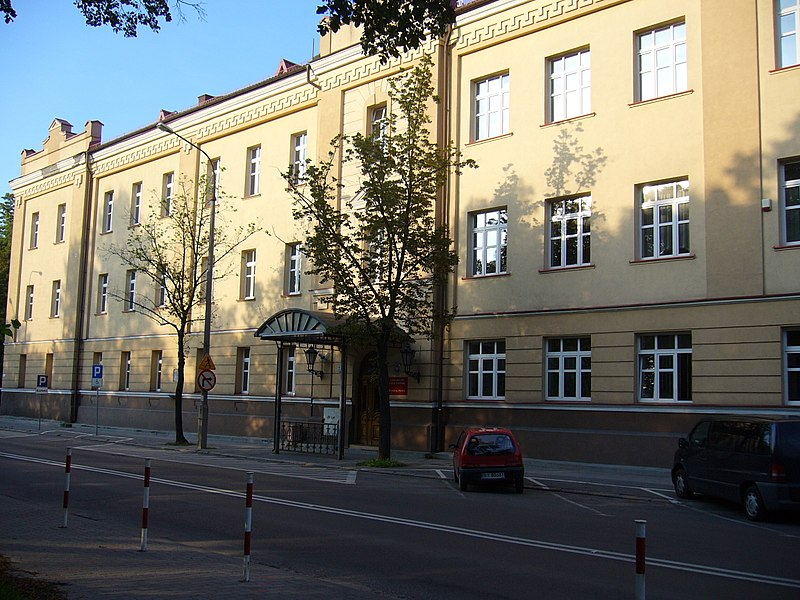 800px University of Białystok Faculty of Law